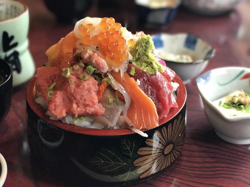最強の本気丼「鮨岡」