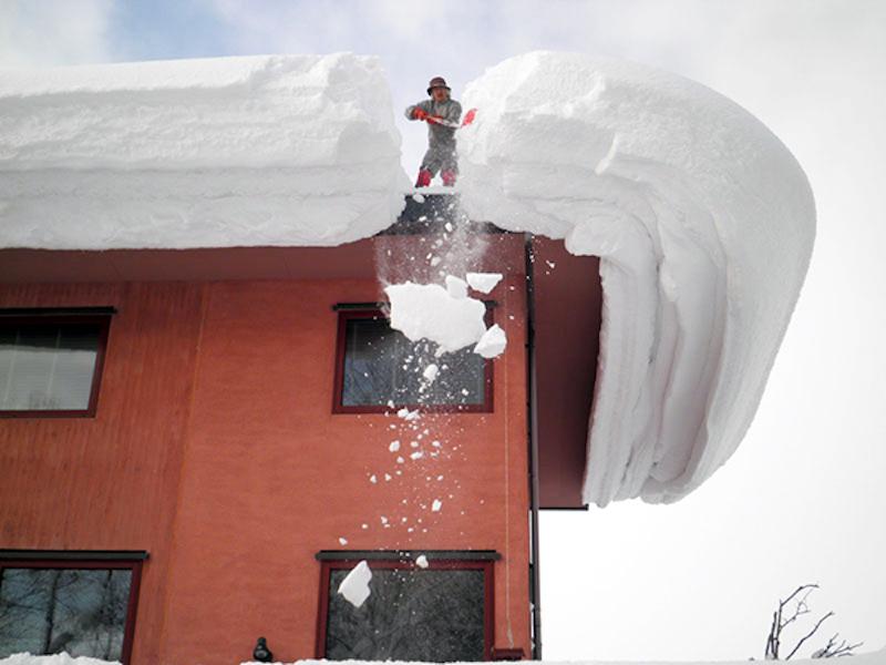 屋根 雪かき 除雪